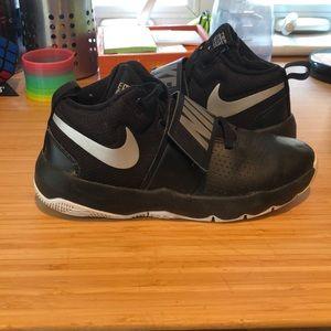 Nike Team Hustle D8